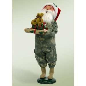 Byers Choice Carolers   Camouflage Santa