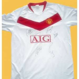 Manchester United Team Autographed / Signed Soccer Jersey